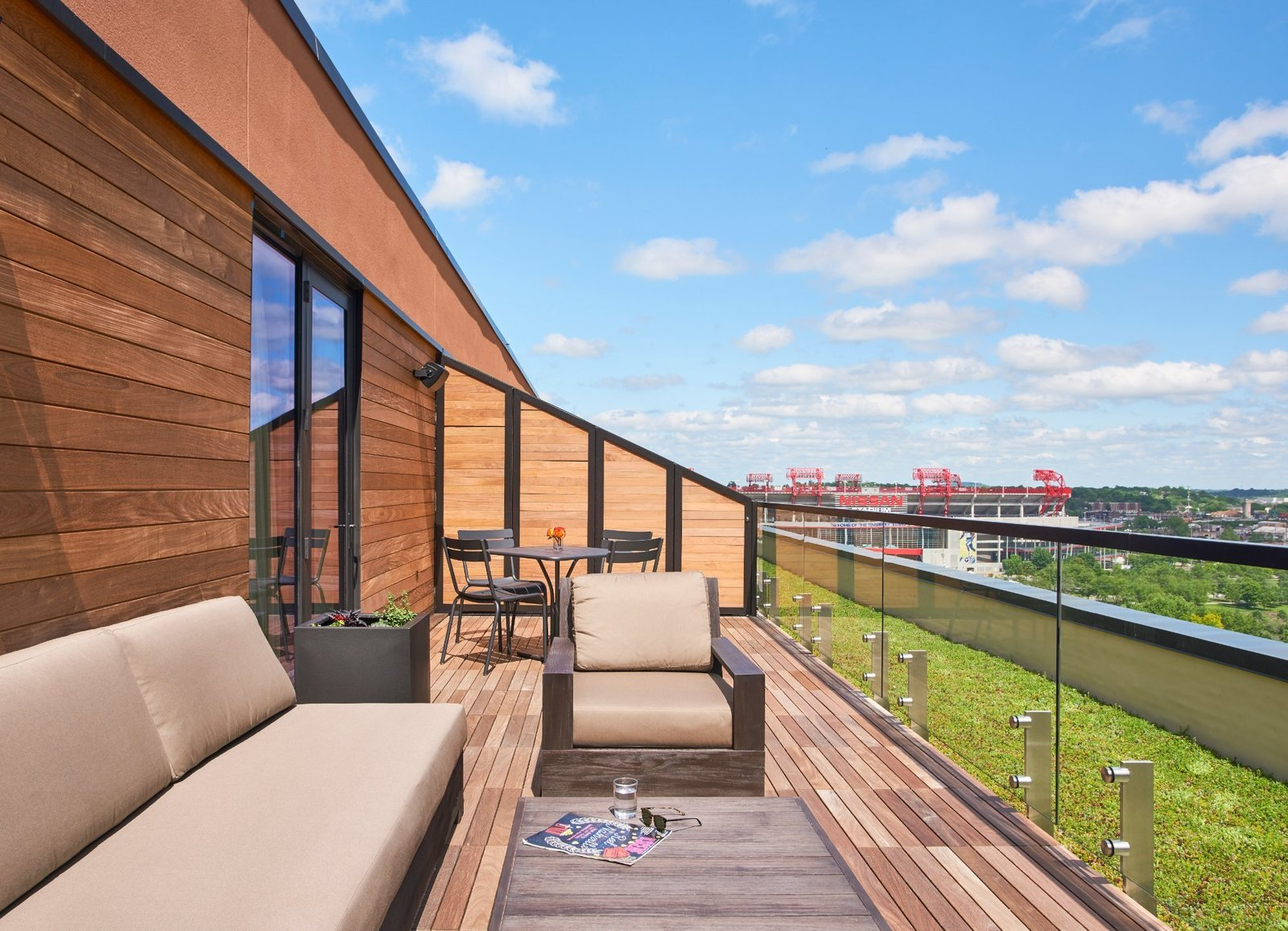 Outdoor, Wood Patio, Porch, Deck, and Rooftop  21c Museum Hotel Nashville