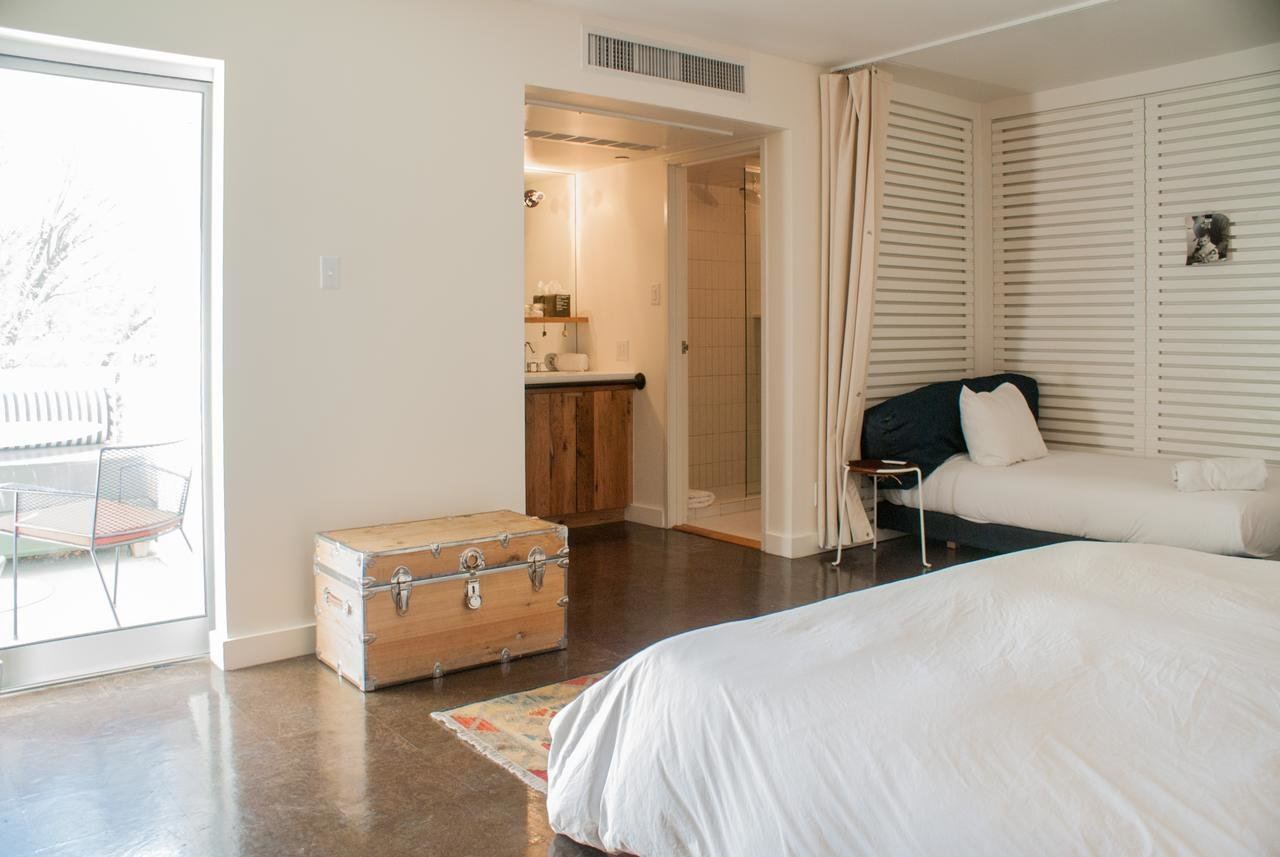 Bedroom, Wall Lighting, Night Stands, Bed, and Rug Floor  Ace Hotel & Swim Club