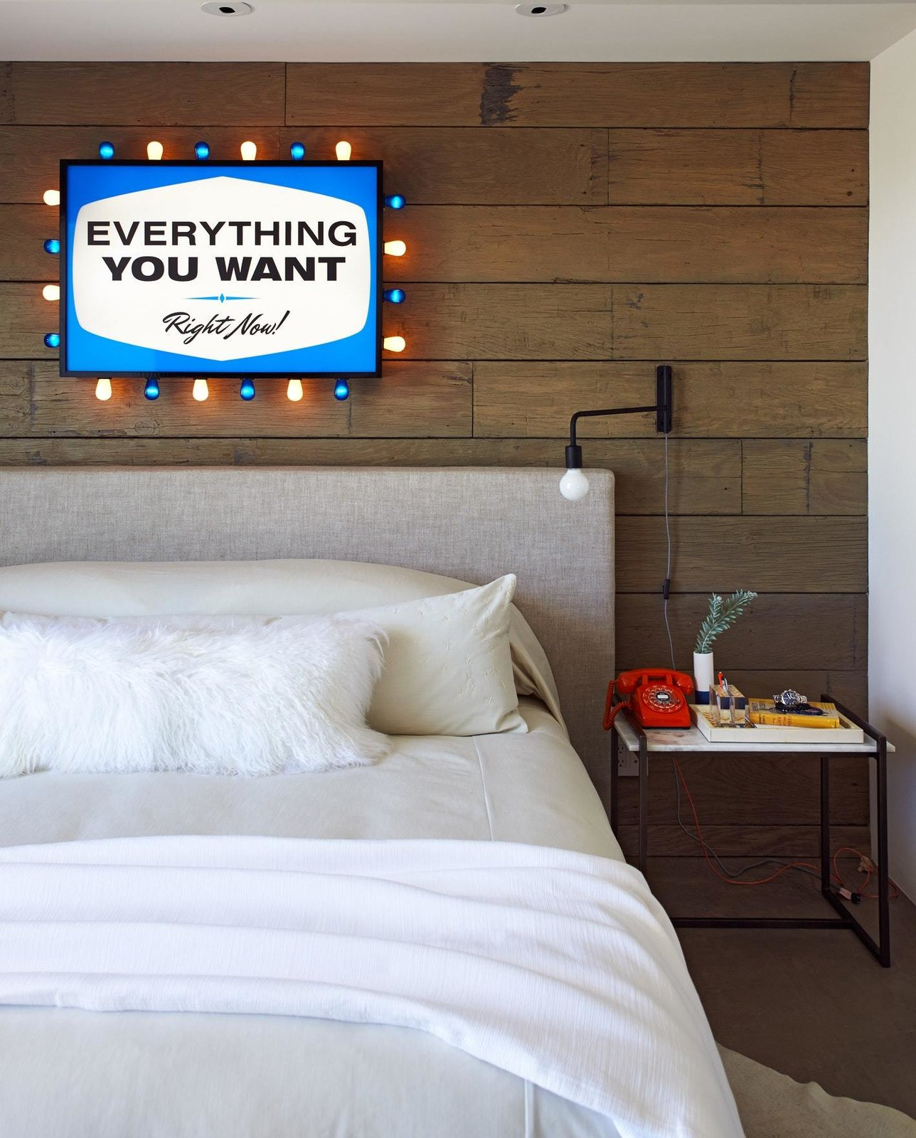 Bedroom, Accent Lighting, Wall Lighting, Night Stands, and Bed  On the Rocks
