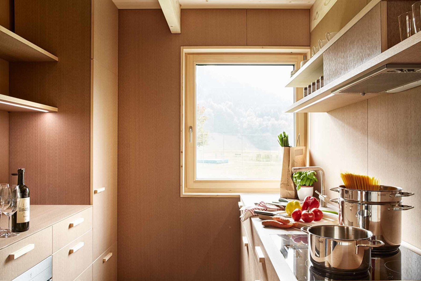 Kitchen, Cooktops, Wood, and Accent  Best Kitchen Cooktops Accent Photos from Ferienhaus Islen