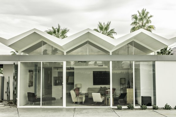 Donald Wexler arrived in Palm Springs in 1952 after a stint at Richard Neutra's office in Los Angeles eager to build on a large scale with steel—hence the prefab Steel Development Houses.