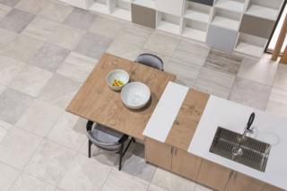 Timber La Boheme and Colorfeel Arctic White table