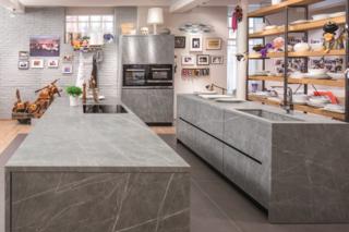 Fusion Zaha Stone kitchen
