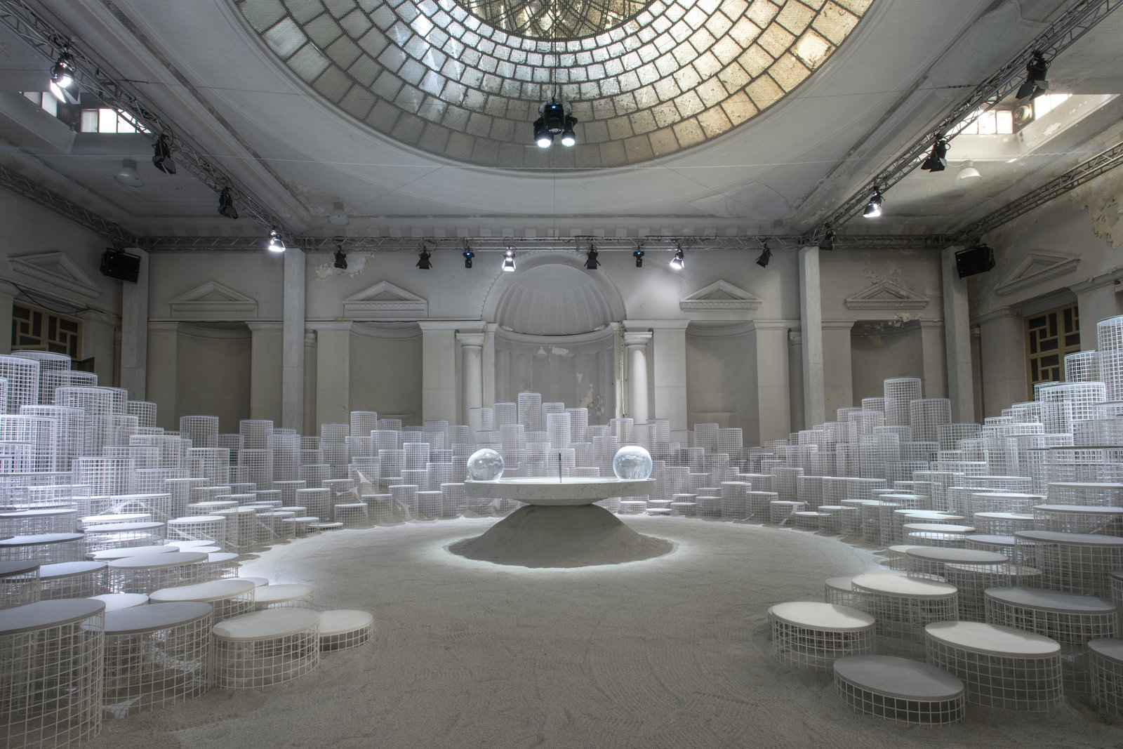 Last year during Salone, Caesarstone set the bar high with an eye-popping, prehistoric-looking installation by Jamie Hayon. This year, the company returned with Altered States, a spellbinding environment created by Snarkitecture at an aged palazzo.