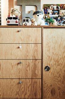 Taku designed built-in storage for Eugene's room.