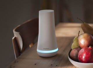 Robustly designed to alert homeowners to threats while avoiding false alarms, the system is a simple, chic, and effective path to total home security. The SimpliSafe Base Station—the brains and primary siren of the system—connects to all sensors placed throughout the home.