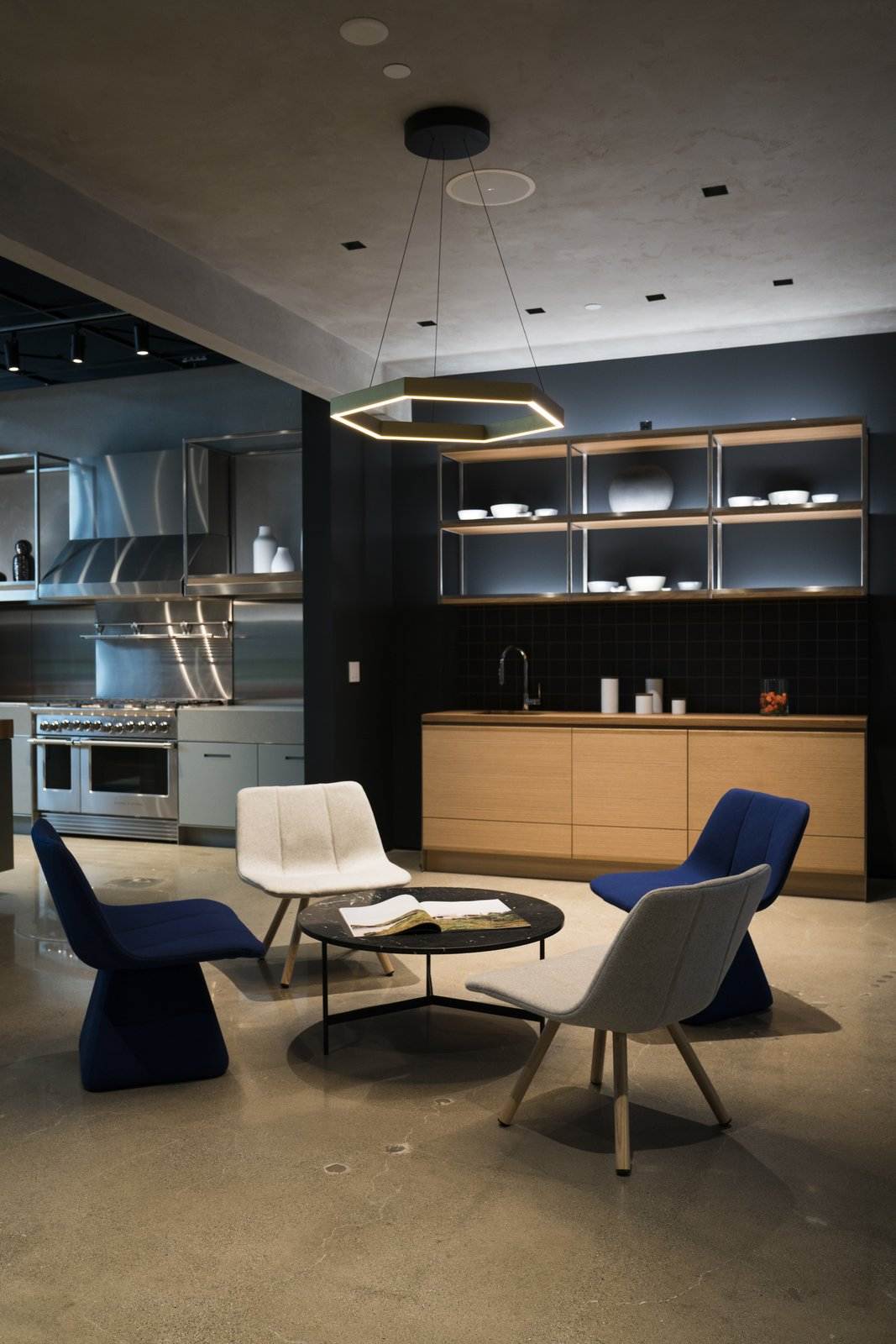 Fisher & Paykel's latest North American showroom, located in Costa Mesa, California, allows design enthusiasts to get up close and personal with powerful appliances that marry aesthetics and functionality.