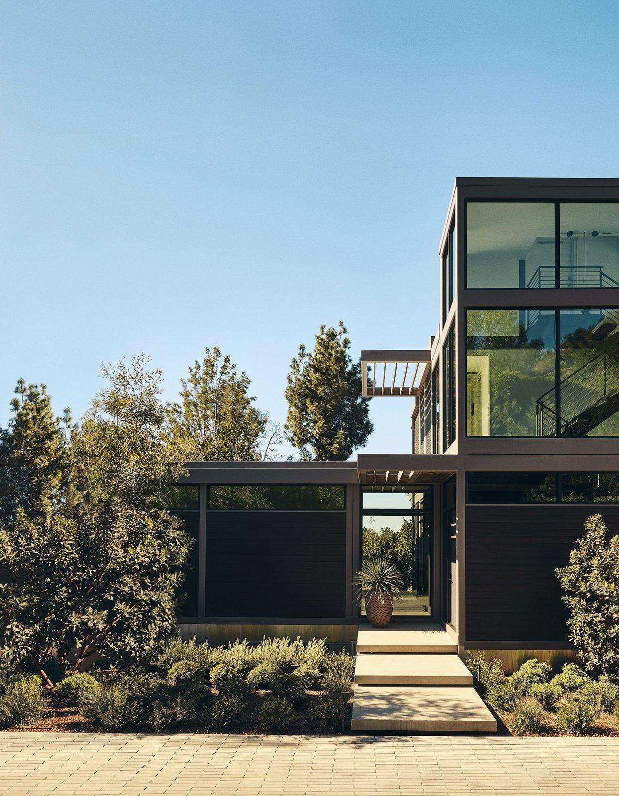 Step Inside Will Arnett's Prefab-Hybrid Home