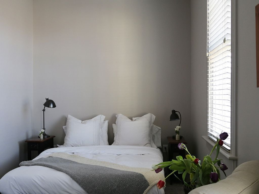Bedroom, Bed, Table Lighting, and Night Stands  Rivertown Guest House