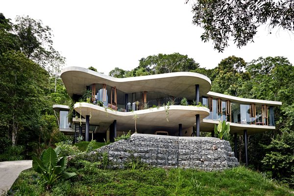 A Funky, Curvaceous Rainforest Home in Australia Hits the Market