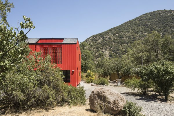 This Modular Home in Chile Has Us Seeing Red—in a Good Way