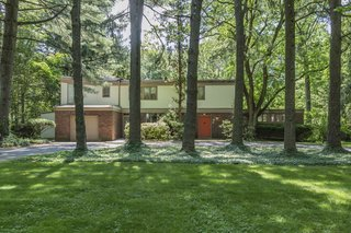 This Historic, Secluded Midcentury Home is on the Market for $1.2M