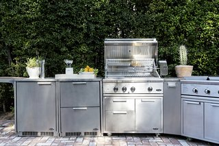 """""""When we sat down to create the Series 9, we brought a personal love of cooking to the drawing board,"""" says Kevin Dexter, President of Fisher & Paykel, North America. """"Anything you'd want to prepare inside, you can do outside."""""""