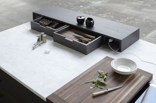 The Horizontal Bar Block is a specialized toolbox for cooking and serving.
