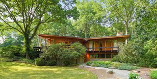 Moby's Luminous Midcentury in New York Asks $1.3M