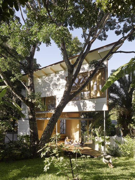 This Triangular Tree House Adds Whimsy to a Backyard in Australia