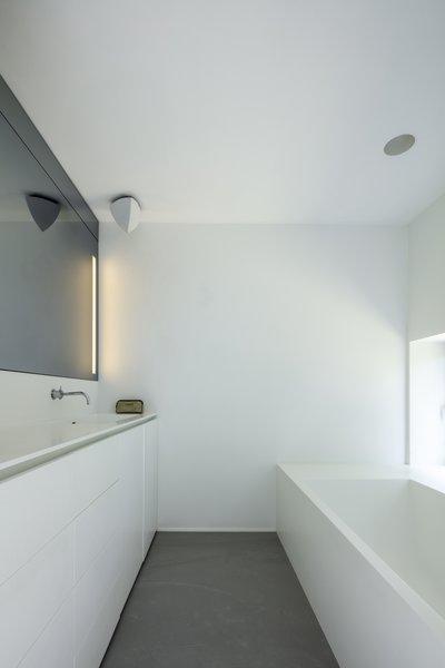 Best 60+ Modern Bathroom Soaking Tubs Design Photos And Ideas - Dwell
