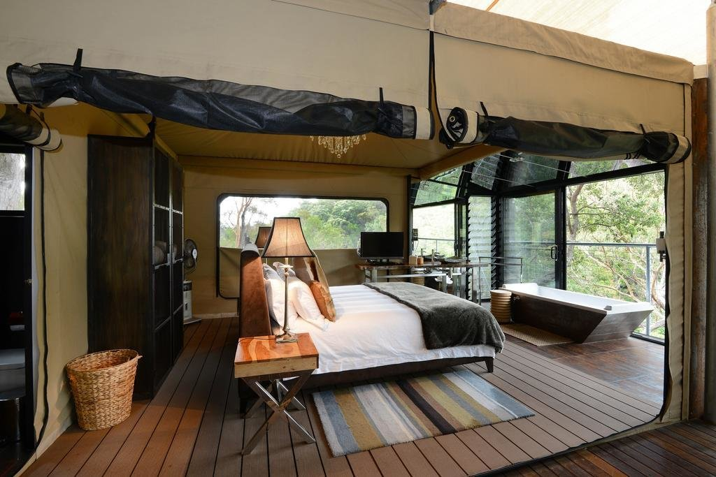 Bedroom, Night Stands, Rug Floor, Bed, and Table Lighting  Spicers Sangoma Retreat