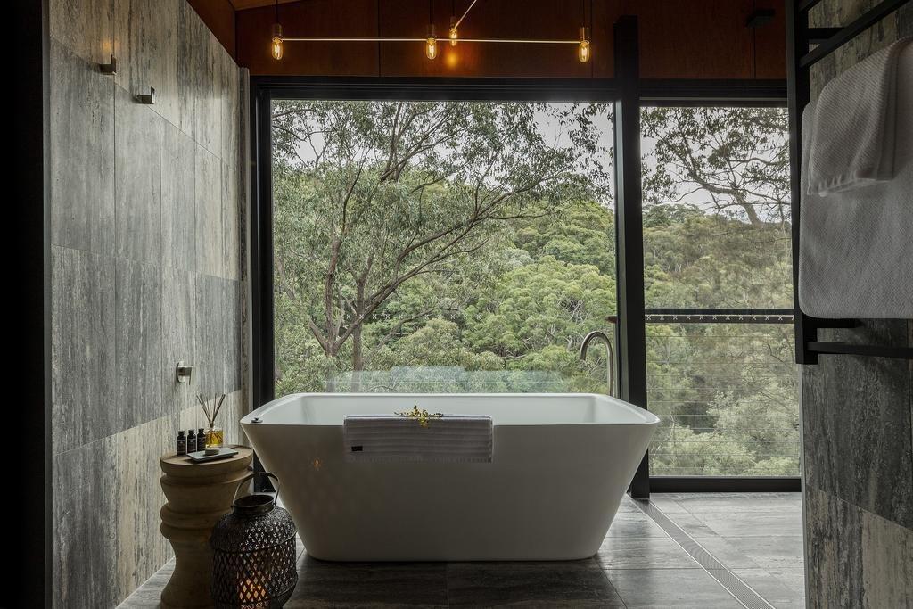 Bath Room, Pendant Lighting, Soaking Tub, and Freestanding Tub  Spicers Sangoma Retreat