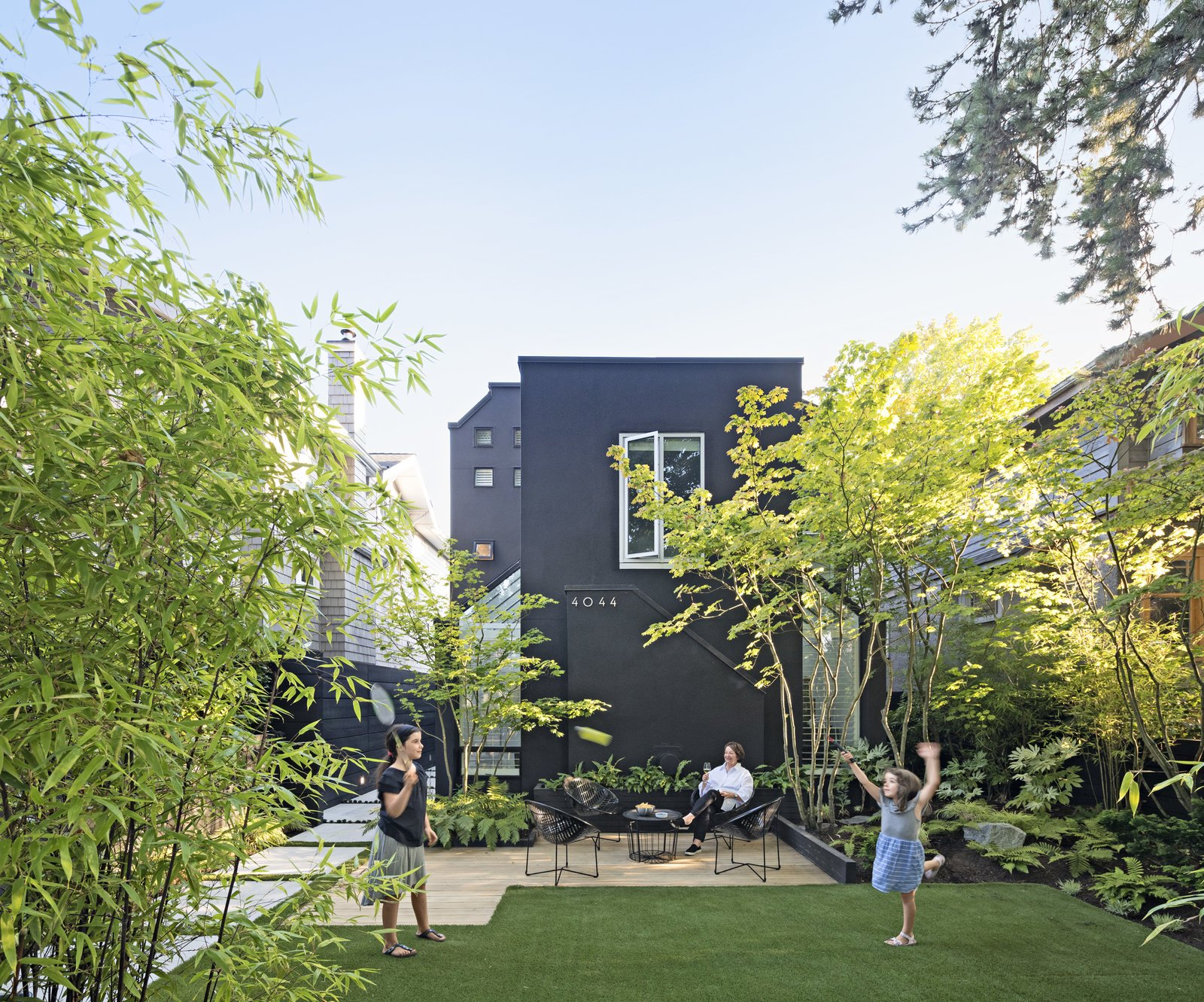 A Low-Key Landscape Gives a Vancouver Family a New Lease on Outdoor Living