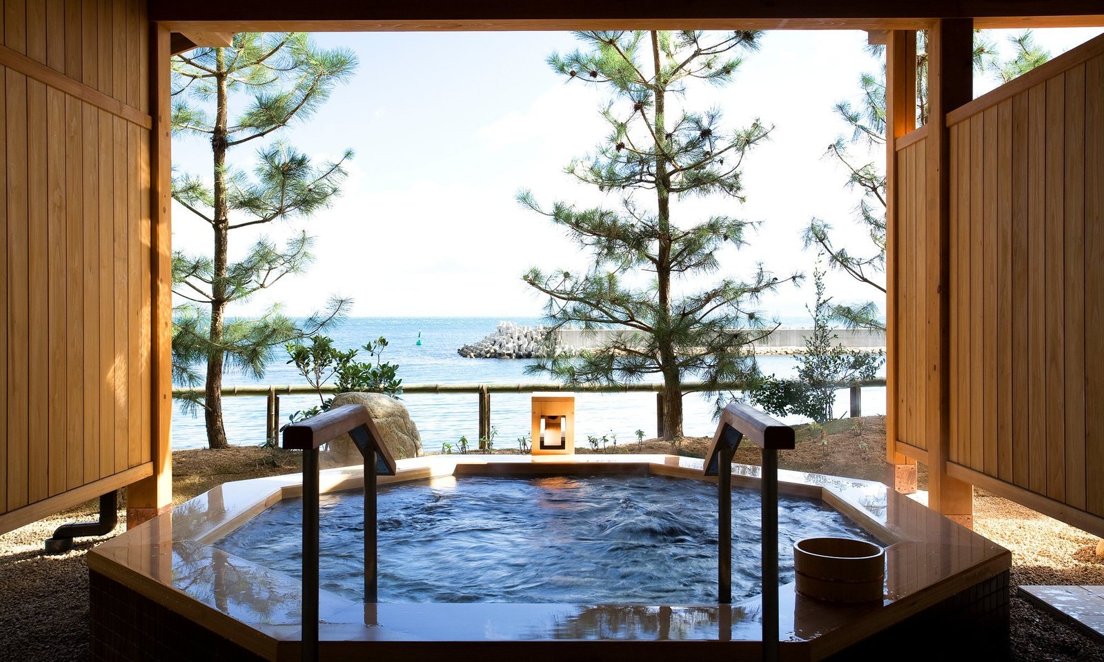 Outdoor, Hot Tub Pools, Tubs, Shower, and Trees  Villa Rakuen