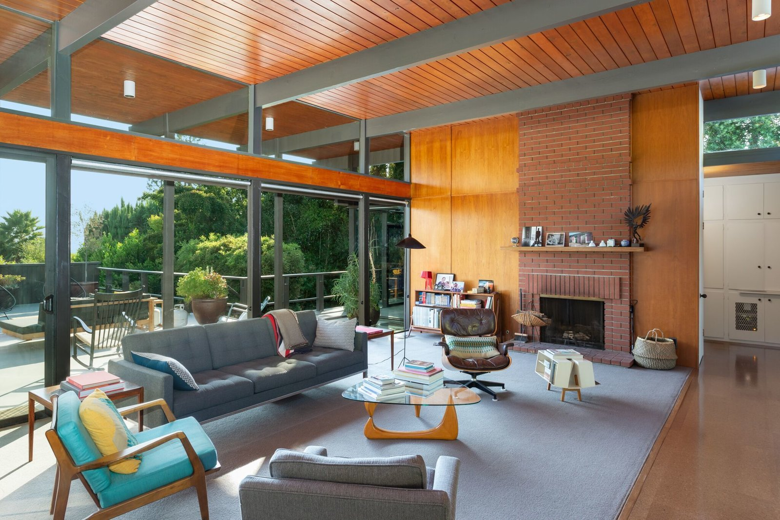 Living, Carpet, Sofa, Bookcase, Floor, Standard Layout, Coffee Tables, End Tables, and Chair  Best Living Bookcase Sofa Photos from This Post-and-Beam in Pasadena Offers Classic California Living For $2M