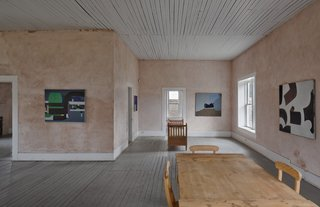 The Judd Foundation's Marfa location offers tours of minimalist artist Donald Judd's residence and studio, where some of his first large-scale architectural projects are located. Also available are guided visits of Judd's downtown spaces, which include the Architecture Studio, Art Studio, and the Cobb House and Whyte Building, which contain furniture and early paintings.