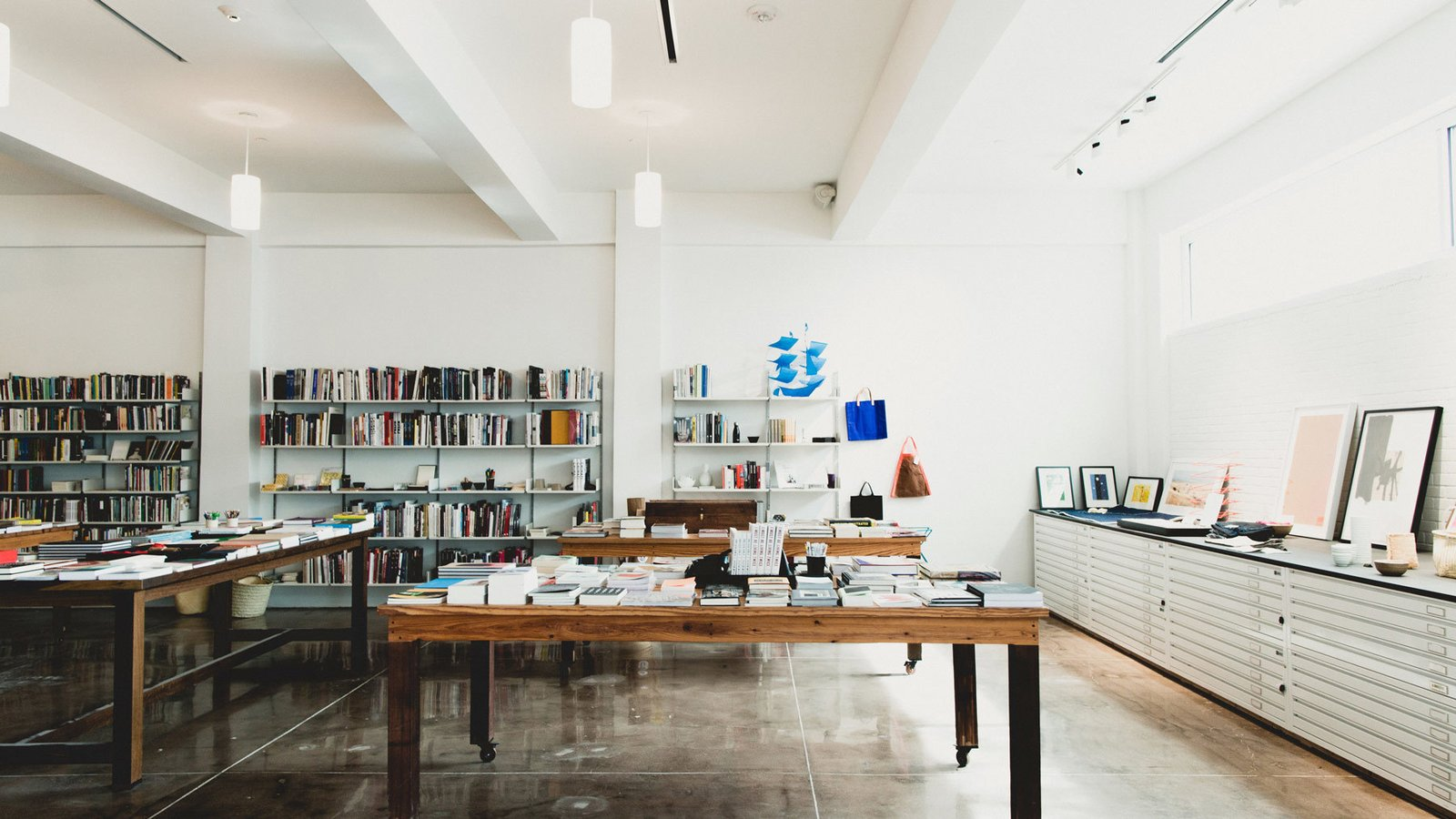 Studio and outfitted by alice cottrell and its interiors lie somewhere in between high end luxury and industrial chic with polished concrete floors