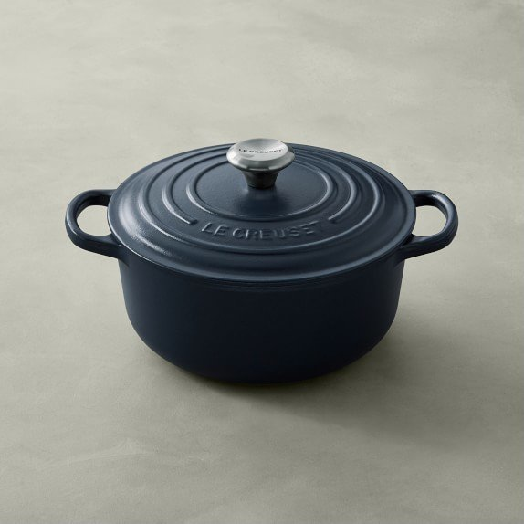 Le Creuset Signature Cast-Iron Matte Round Dutch Oven
