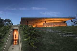 An Expansive Grass Roof Tops This Modern Brazilian Home - Photo 14 of 16 -
