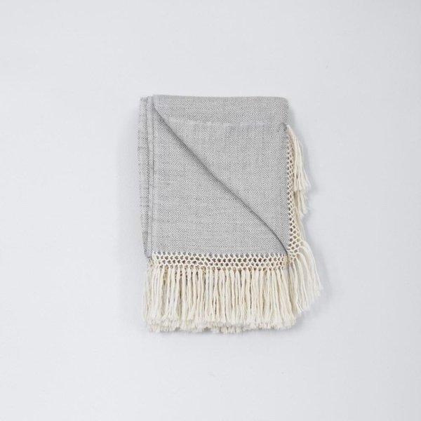 Diamanta Throw (Dove Grey)