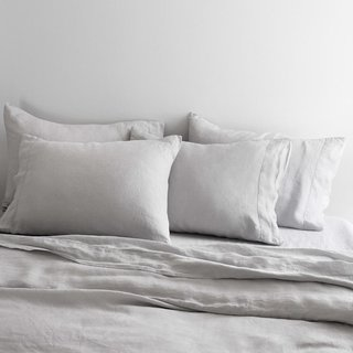 The Citizenry Stonewashed Grey Linen Light Full Set Bed Bundle