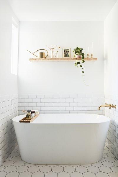 Best 25 Modern Bathroom Subway Tile Walls Freestanding