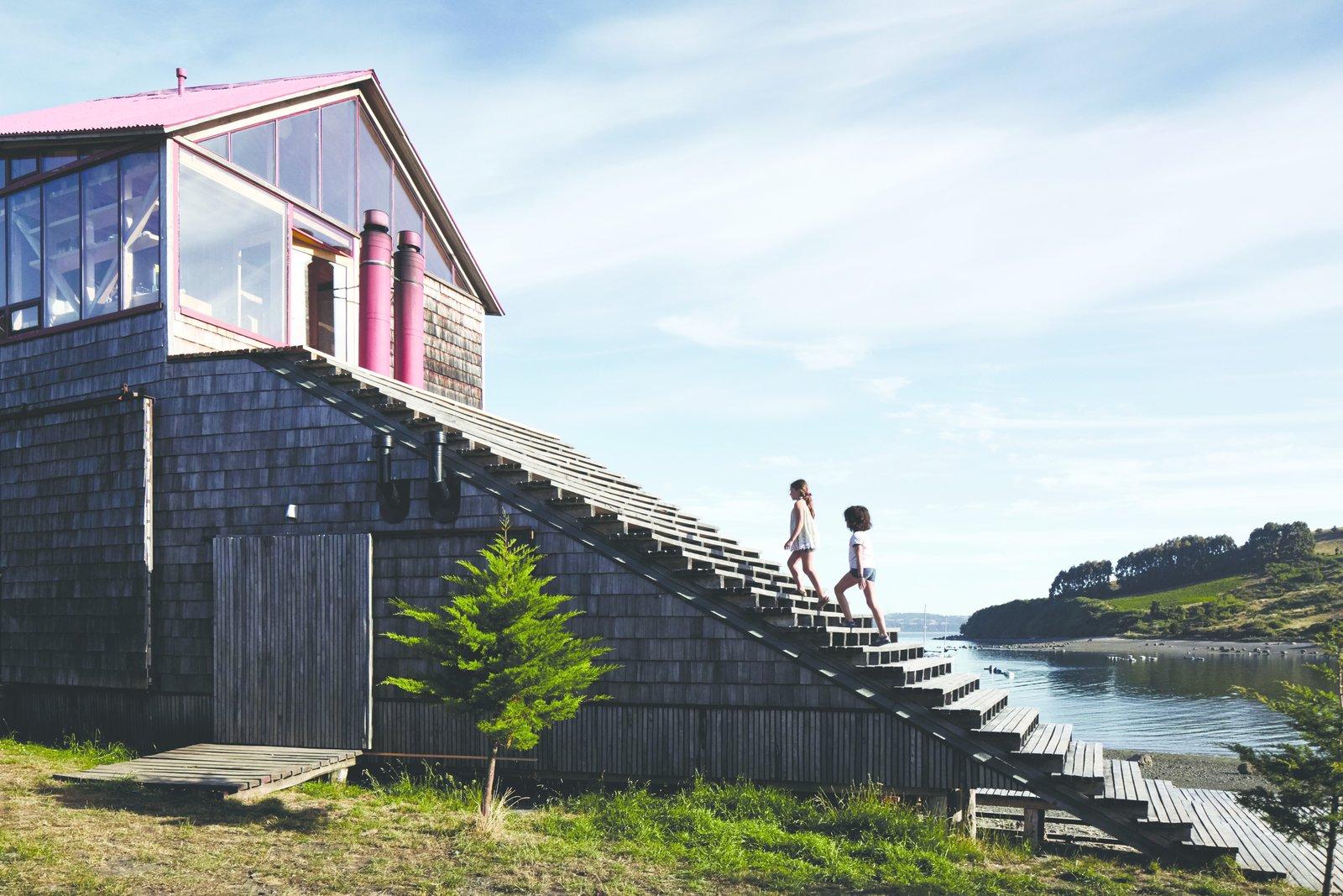 Isla Lebe cabin exterior staircase