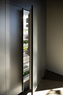 The Column Refrigeration appliances are available in various widths, providing you with the design freedom to seamlessly mix and match refrigerator and freezer combinations to suit the needs of your kitchen.