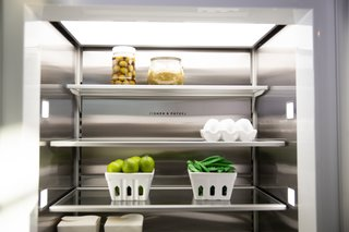 Fisher & Paykel's ActiveSmart™ Foodcare intelligently adjusts airflow to create and maintain a stable and even internal temperature. The combination of sensors and fans that control the inside of the refrigerator allows any stored food to stay fresher for longer periods of time.