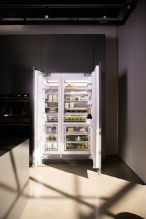 The Integrated Column models have been thoughtfully designed with three different modes on each side: Pantry, Fridge, and Chill. For example, while the Pantry mode is perfect for items that you don't normally sit in the fridge but would like kept at a constant temperature, the Fridge setting is the normal refrigerator mode, and Chill is perfect for perishable meat or beverages about to be served. The freezer also has three modes: Freezer, Soft Freeze, and Deep Freeze.