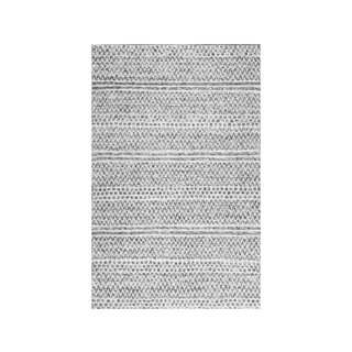 nuLOOM Silver Flatweave Chevron Striped Indoor/ Outdoor Patio Area Rug