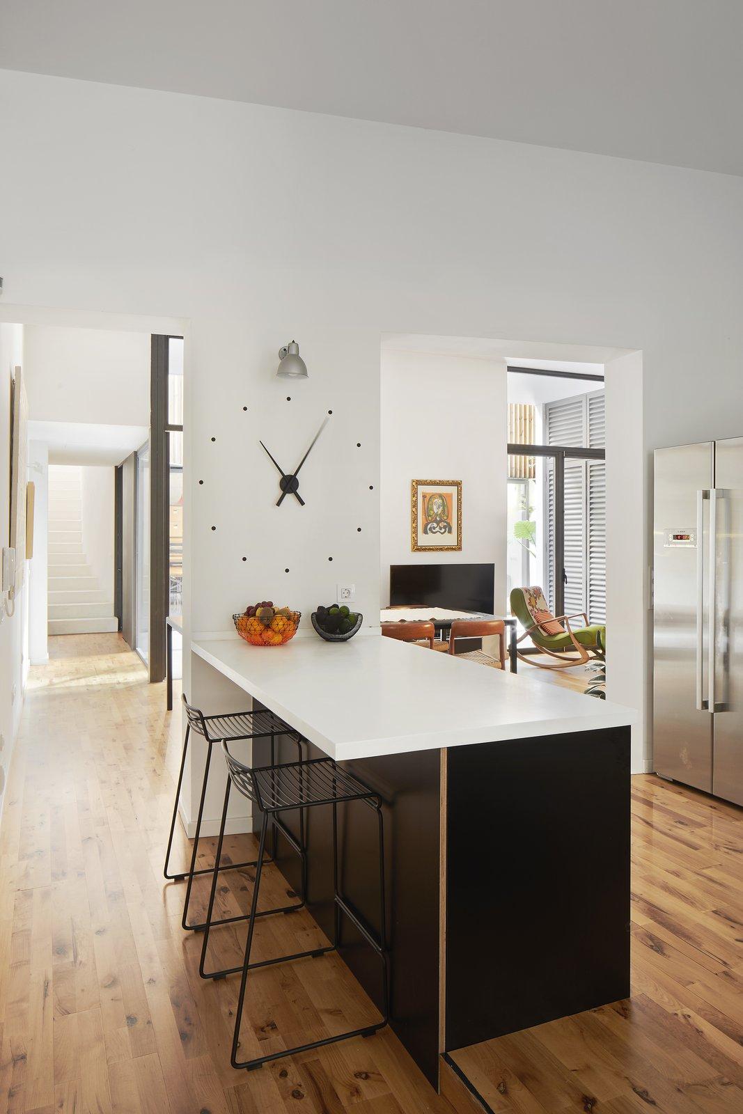 Up Garcia Home Studio kitchen island