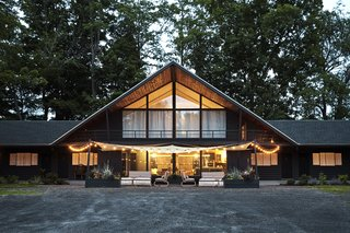 A Cozy A-Frame Lodge in the Catskills Is an Ideal Weekend Getaway