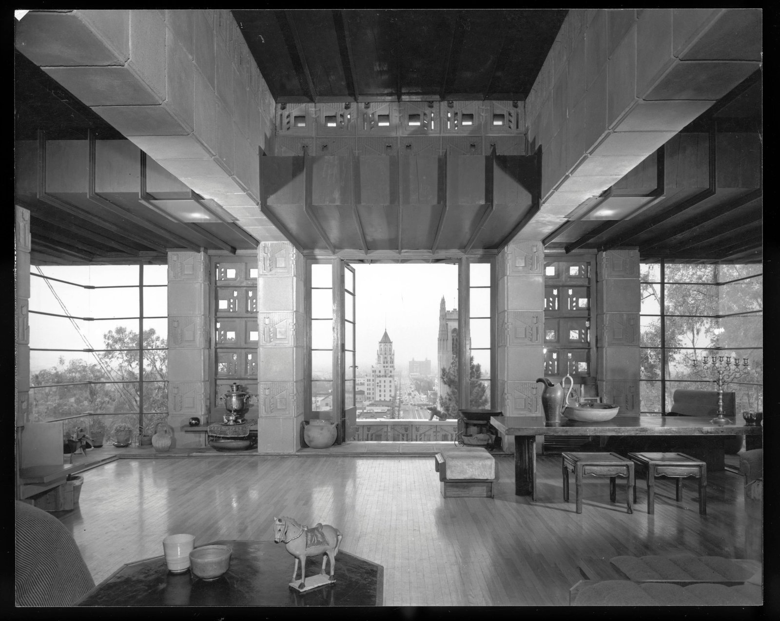 According to the LAPD, thieves have stolen four pieces of architectural history from Frank Lloyd Wright's Freeman House.  Photo by Julius Shulman © J. Paul Getty Trust. Getty Research Institute, Los Angeles (2004.R.10)