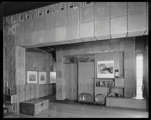 The interior of the Samuel Freeman house.  Photo by Julius Shulman © J. Paul Getty Trust. Getty Research Institute, Los Angeles (2004.R.10)