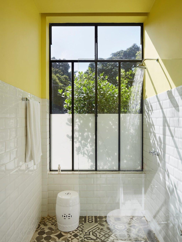 Bath Room, Open Shower, Subway Tile Wall, Full Shower, and Porcelain Tile Floor  Mama Shelter Rio De Janeiro