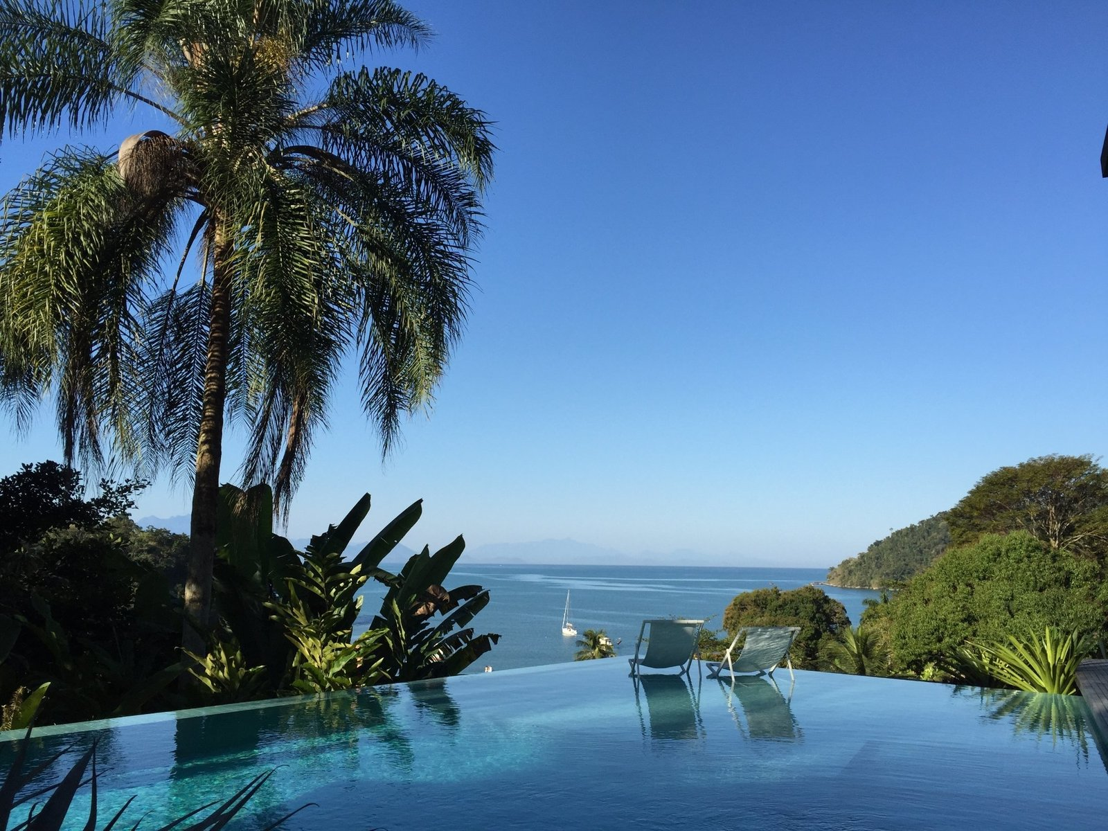 Outdoor, Trees, and Infinity Pools, Tubs, Shower  Casa Mar Paraty