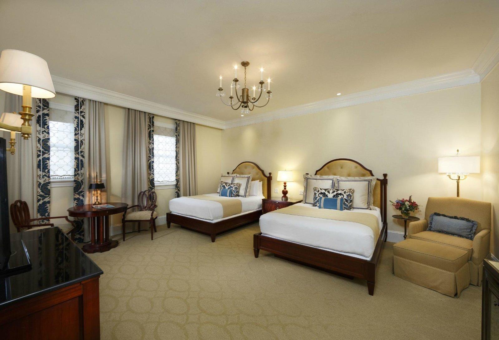 Bedroom, Bed, Floor Lighting, Chair, Carpet Floor, Table Lighting, and Night Stands  Jefferson Hotel