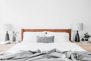 Shigouri Woodworking Queen Bed - Walnut