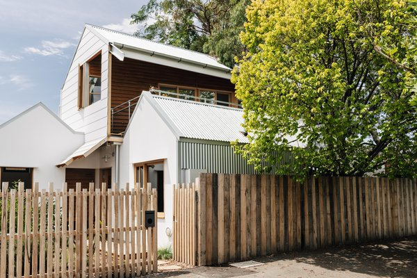 This Light-Filled Bungalow Exudes Playful, Tree House Vibes