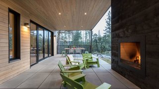 Stepstone Pavers Connect a Sustainable Home to the Sierra Nevadas