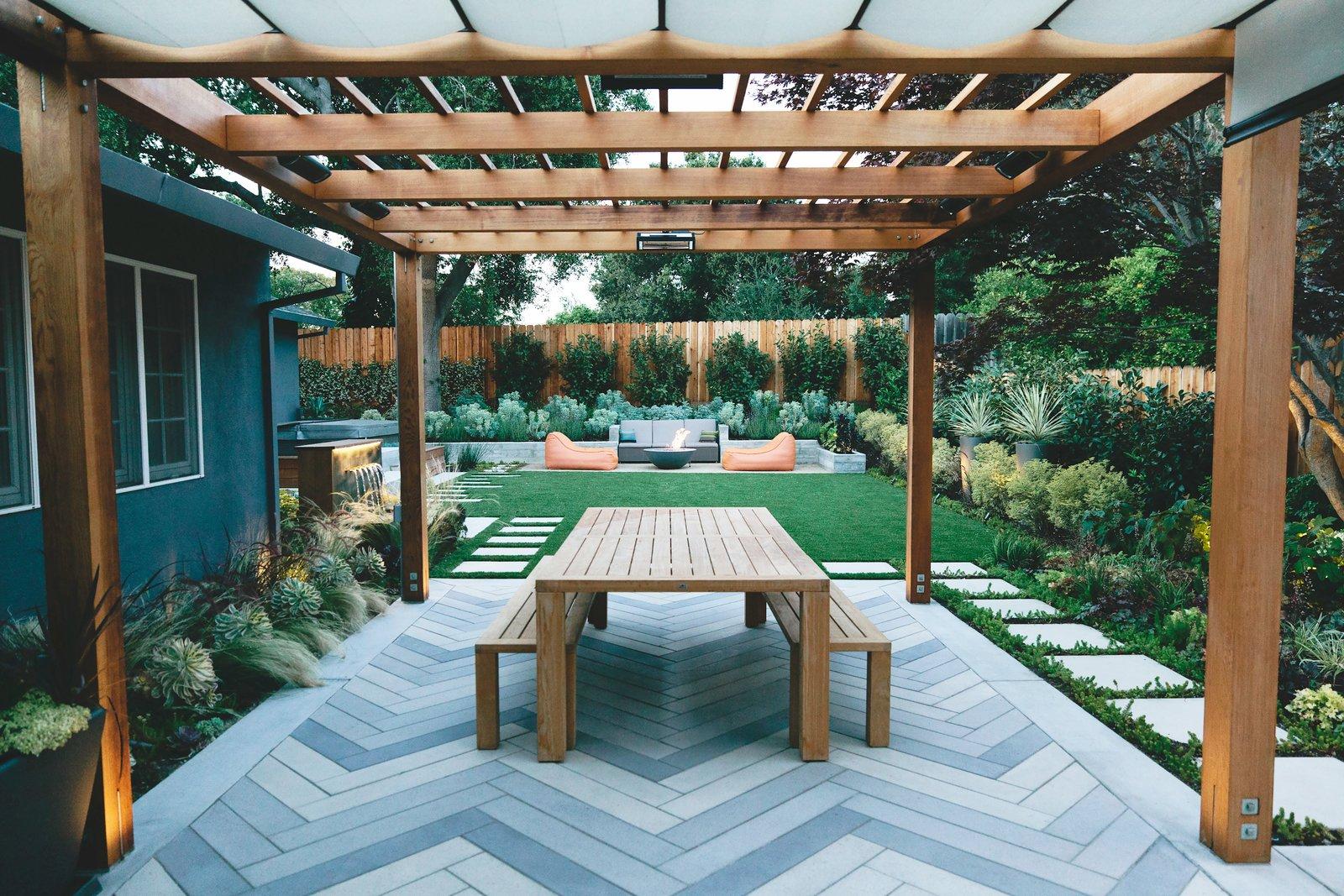 Create a Bold Backyard Statement With These Large Concrete ... on Small Backyard Pavers id=19991