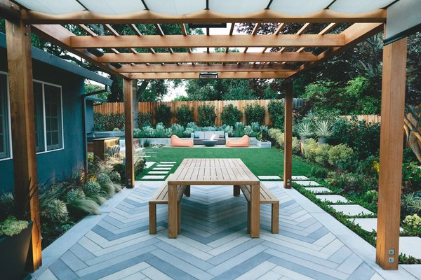 Create a Bold Backyard Statement With These Large Concrete Pavers